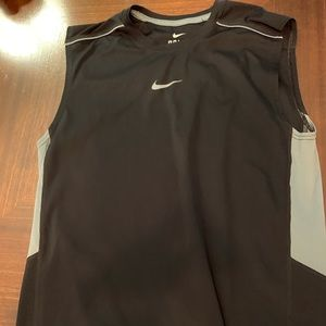 Nike sleeveless men's small black workout shirt